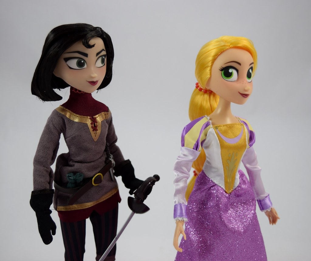 Rapunzel And Cassandra Doll Set Tangled The Series Di Flickr