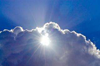 Cloud of light / Nube de luz | by Wal Wsg