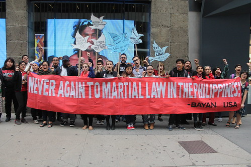 Filipino groups in NYC protest martial law and call for resumption of peace talks | by joegaza