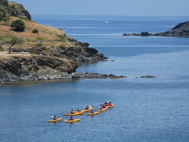 Kayaks en la Costa Brava (Cataluña)