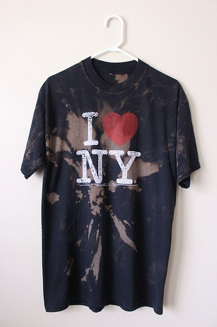 Splatter Bleached/ Distressed I Love NY T Shirt Large