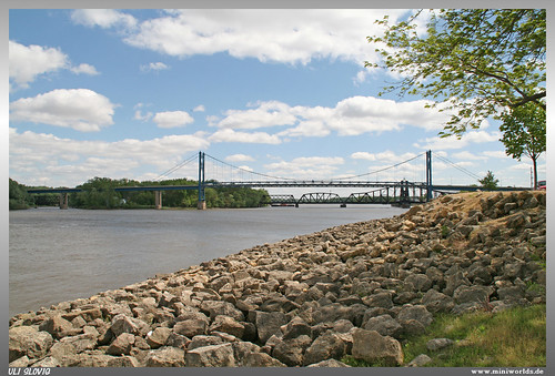 lincoln highway 30 brücke bridge stone stein stones steine wasser water clinton iowa ia usa great river road mississippi flus