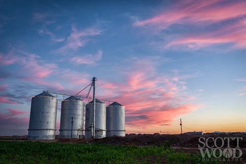 agriculture sun color desert travel clouds field sky arizona sunset evening structure gilbert unitedstates us