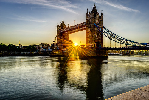 nototerrorists towerbridge sunrise sunstar flare water elitegalleryaoi bestcapturesaoi aoi