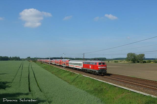 218 467-9 der MEG mit einer Schadwagenüberführung nach Mukran als 75509 bei Schönwalde.