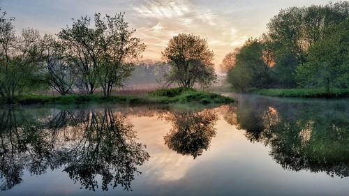 foggy misty toronto reflection sunrise