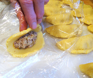 Colombian Empanadas: Step 15 - Formation: Step 1: Wrap process | by nikaboyce