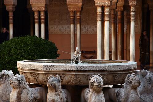 Detalle de la fuente de los leones | by jtoledo