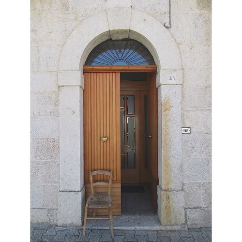 FMS Photo A Day May 4 - Inside my home (I wish!)#fmspad #fmsphotoaday #fms_insidemyhome #italy #ladinitaly2017 #catchingup #betterlatethannever #civitanovadelsannio #door #doors #doorsofinstagram #doorsofcivitanovadelsannio #doorsofitaly   by Laurel Storey, CZT