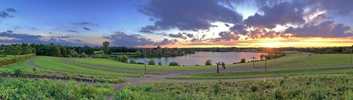 panorama apple iphone se milton keynes furzton lake buckinghamshire sunset clouds evening path trees view mkffurzton
