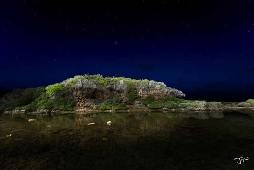 Inarajan Pools at Night | by jaytrisw