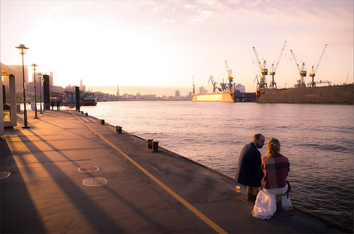 hamburg germany sunrise hafen harbor elbe water shadows