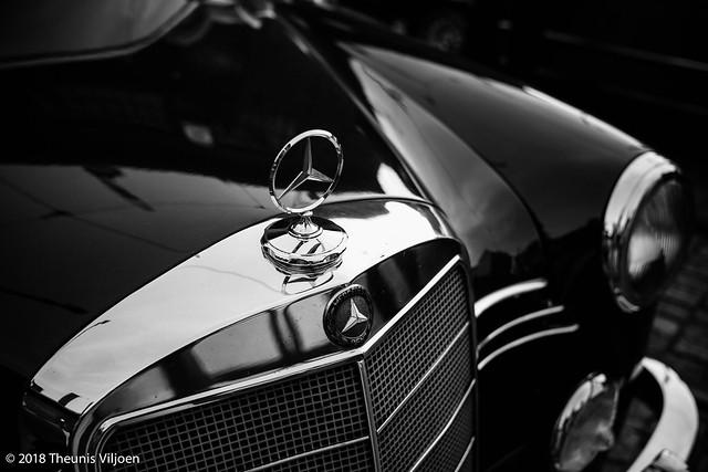 Mercedes 190-2.jpg