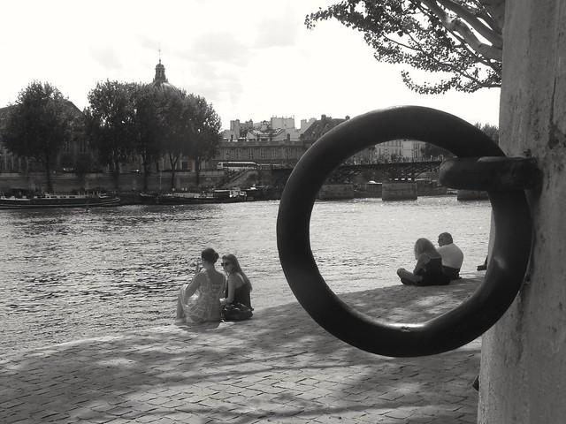 A warm day in Paris.. Une chaude journée à Paris...