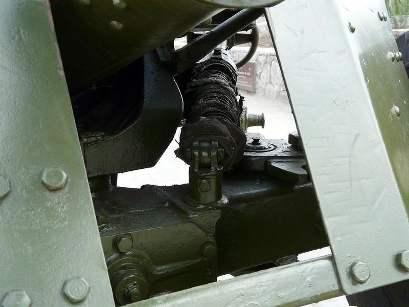 85 mm divisional gun D-44 2
