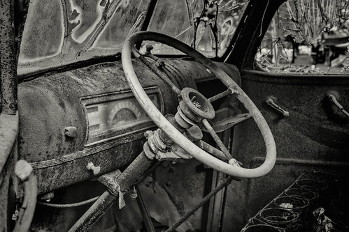 6d abandoned automibile automobile bigthicket canon ef2470f28l eos summer texas topazlabs vintage weathered antique beautiful historic blackandwhite bw monochrome rust rusty glass easttexas art artistic