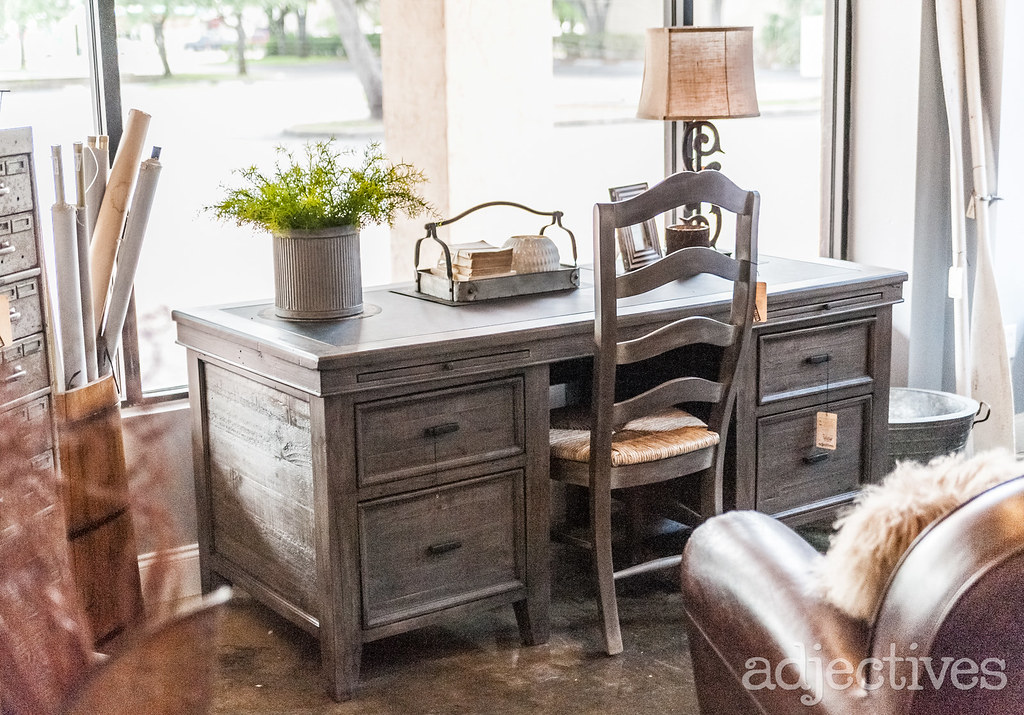 Home office furniture and decor in Altamonte