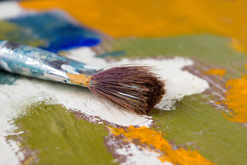 Artist paint brush and palette | by wuestenigel