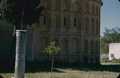 Basílica de Santa Leocadia (Cristo de la Vega) en los años 50. Fotografía de Nicolás Muller  © Archivo Regional de la Comunidad de Madrid, fondo fotográfico