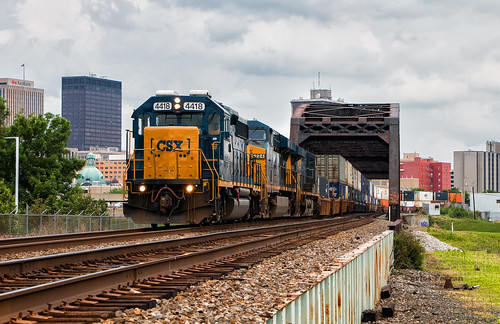 csx gp402 q143 locomotive emd geep q train trains dayton ohio railroad toledo subdivision intermodal