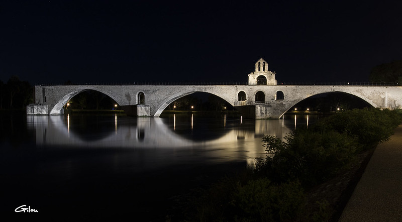 Avignon by nicht