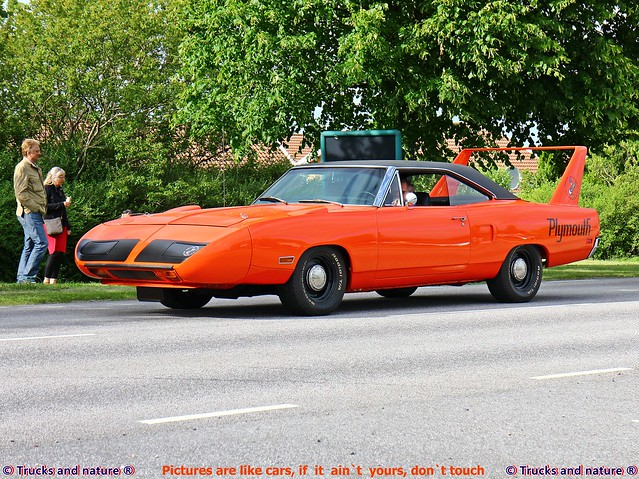 Plymouth Road Runner Superbird 1970 Side View