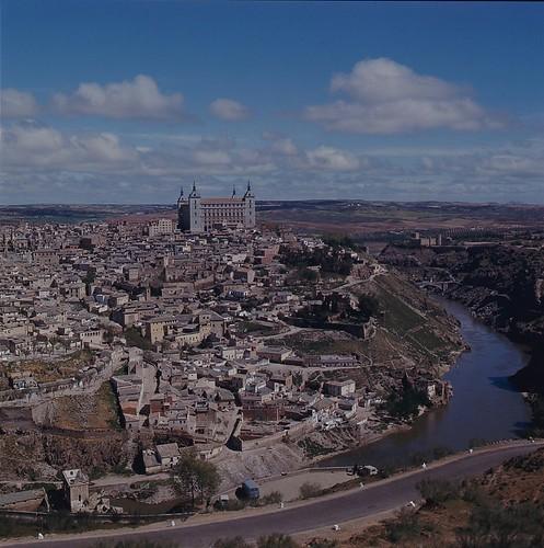 Vista de Toledo en los años 60. Fotografía de Nicolás Muller  © Archivo Regional de la Comunidad de Madrid, fondo fotográfico