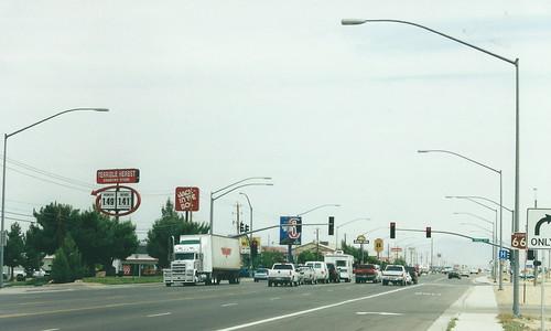 kingman arizona usa road highway 66 route66 street streetlighting streetlights lamppost lampposts motel motel6 stripmall 400views 500views