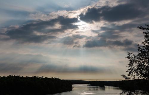 bendintheriver bendintheriverregionalpark bentoncounty minnesota mississippiriver rice clouds raysofsun river storm sun sunset unitedstates us wmc1830