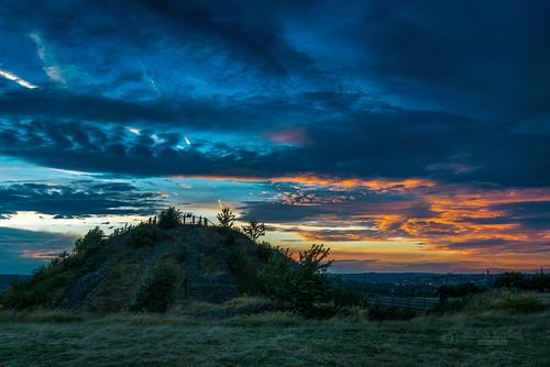 sandalcastle sandal castle ruins wakefield wakefielduk westyorkshire yorkshire nature architecture landscape sky dramatic bloody sunset d750 nikond750 nikon tbnate summer clouds evening outdoor outside