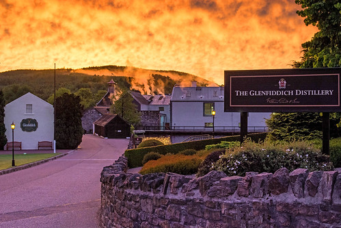 glenfiddich sunrise dufftown moray distillery