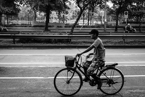 oldbike asian streetportrait bicycle sunrise asia fujifilmx100f asoke 35mm capital quite earlymorning ratchadaphisekroad bangkok monochrome streetphotography streetlife blackwhite sukhumvit bigcity monotone streets thailand