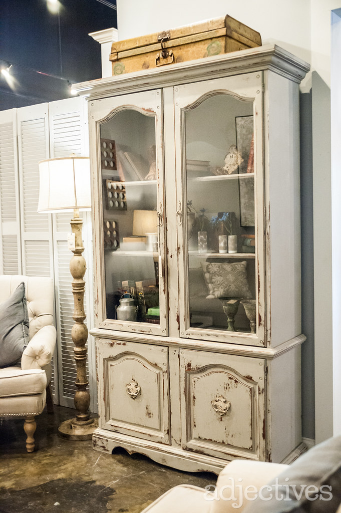 Vintage china cabinet by Adjectives Altamonte-3356.NEF