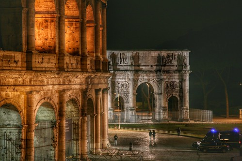 Silhouettes in front of the Colosseum in Rome | by sabarishraghupathy