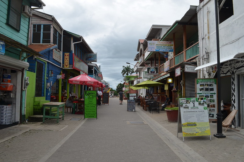 where to stay caye caulker