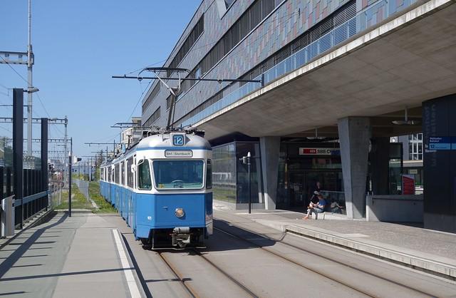 Tram Museum Zürich - Be 4/6 des Tram - Museums Zürich im Einsatz auf der Glattalbahn in Wallisellen.