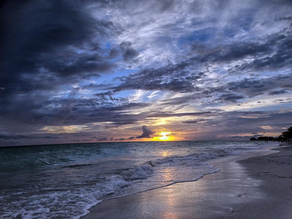 Anna Maria Island Sunset (Holmes Beach) | On the Gulf side o