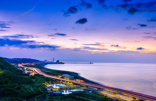 taiwan newtaipeicity bali beach sunset sky cloud cartrack hightway lighting scenery outdoors 台灣 新北市 瑞平國小 西濱公路 夕陽 車軌 林口區
