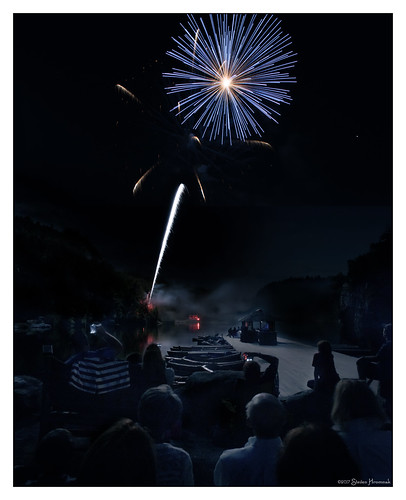 mohonkmountainhouse mohonk mountain house newpaltz newyork hotel fireworks display fourth july 2017 july42017 composite art