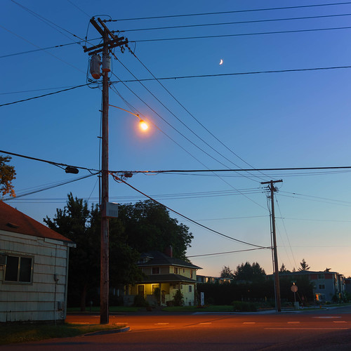 lanecounty eugene telephonelines building moon powerlines alley road bluehour longexposure builtlandscape oregon sky architecture america pacificnorthwest telephonepoles streets streetlights pnw upperleftusa highway lowlight street