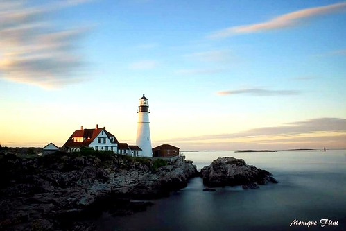 lighthouse sunset ocean sea coast shore portland sky clouds weather weatherphotography cloudsstormssunrisessunsets
