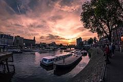 El fuego abrazador sobre Amsterdam