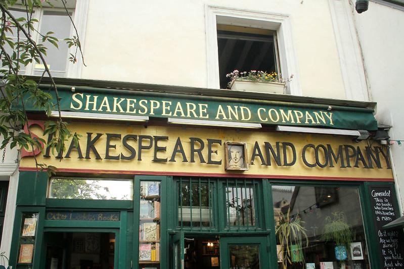 Shakespeare and Company - Paris
