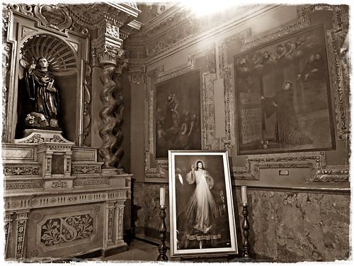 Chiesa di Sant'Agostino - quadro della Divina Misericordia - sepia | by mareblu2013
