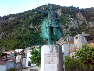 Admiral Roger of Lauria monument