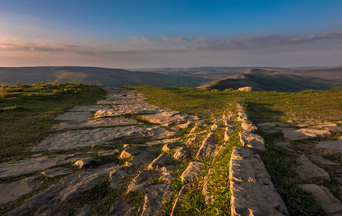 light rocks nikon d7200 tokina sunset green national nature nationalpark naturalphotography naturalworld natural naturephotography countryside colour scenicsnotjustlandscapes pattern landscapes england derbyshire