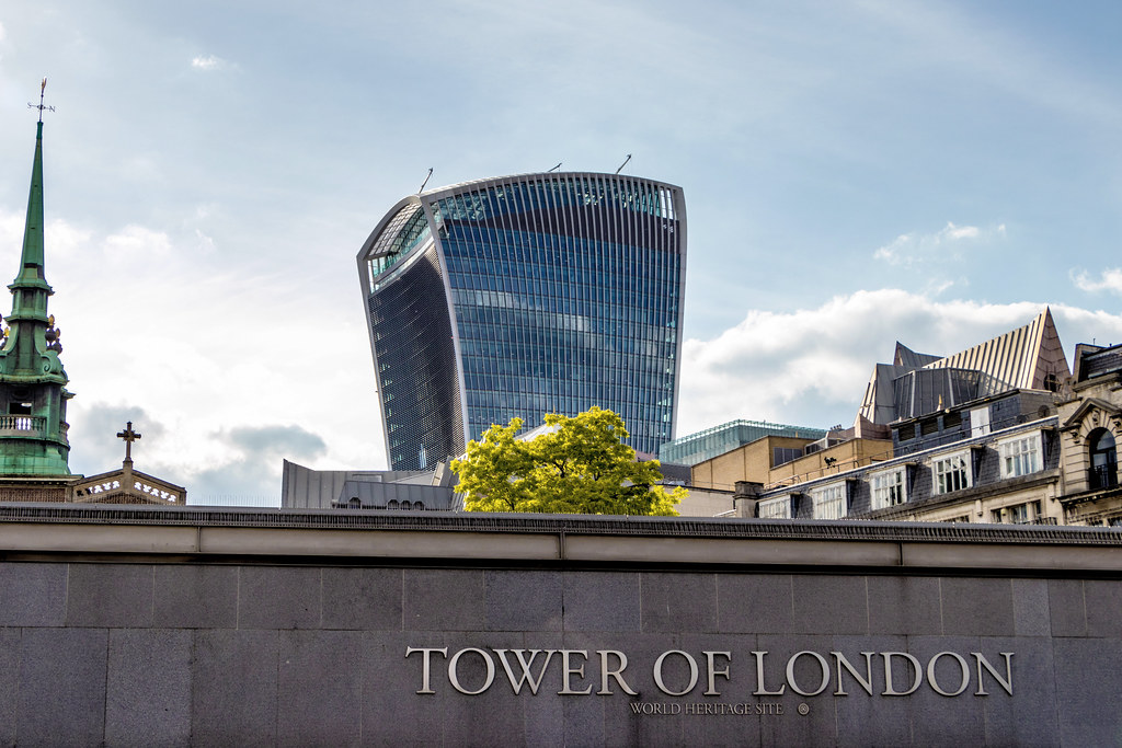 Designed by architect Rafael Vinoly, 20 Fenchurch Street, nicknamed the 'Walkie Talkie' made headlines before it even opened when it 'melted' cars parked underneath it during the summer heat in 2013. + Sky Garden at the top of the building........