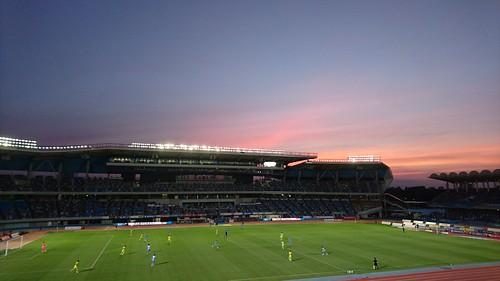 夕焼けに染まるスタジアム