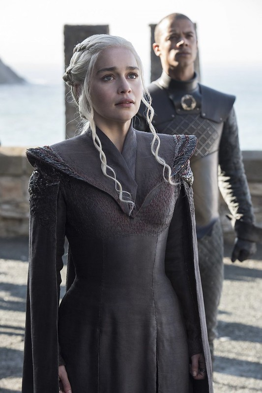 daenerys-and-grey-worm-arriving-at-dragonstone