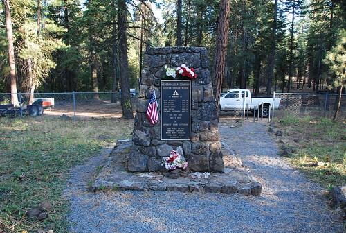 mitchellmonument ww2 history monument usa oregon bly